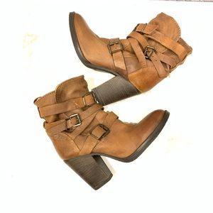 STEVE MADDEN YALE BELTED BOOTIE COGNAC SIZE 7M